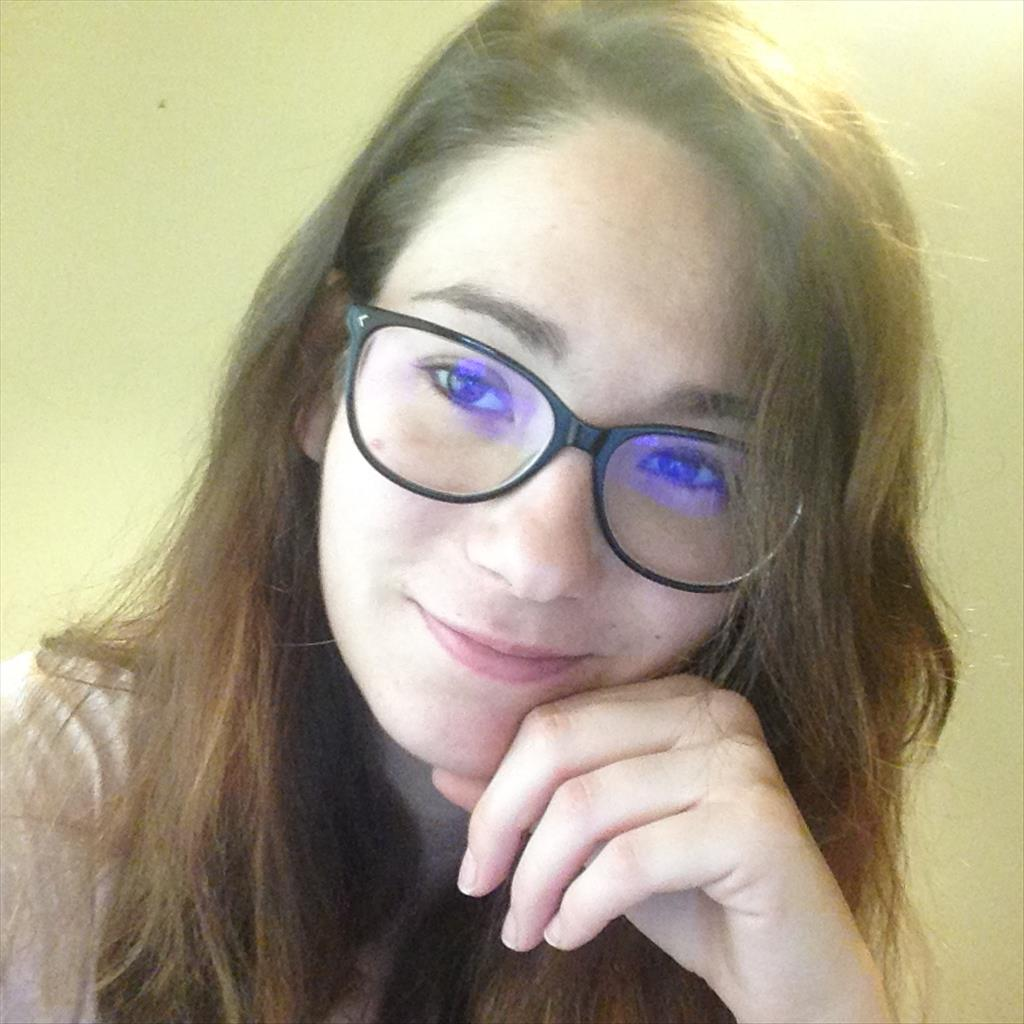 Sara busca trabajo de ayudante de cocina buscocamarero es - Trabajo de ayudante de cocina en madrid ...